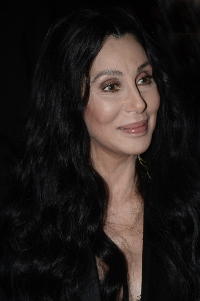 Cher-5th-Annual-amfAR-Inspiration-Gala-Sao-4NEBx9LJrUhl