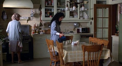 Moonstruck-kitchen